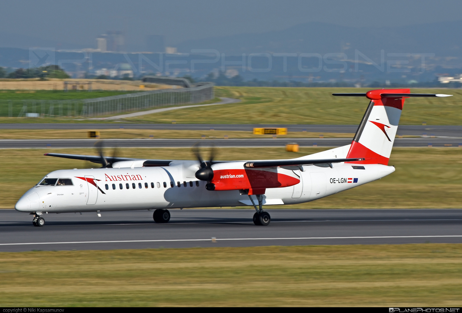 Bombardier DHC-8-Q402 Dash 8 - OE-LGN operated by Austrian Airlines #bombardier #dash8 #dhc8 #dhc8q402