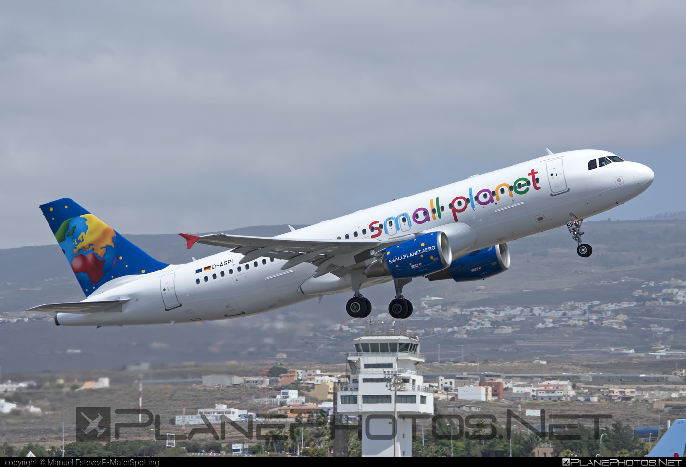 Airbus A320-214 - D-ASPI operated by Small Planet Airlines #a320 #a320family #airbus #airbus320