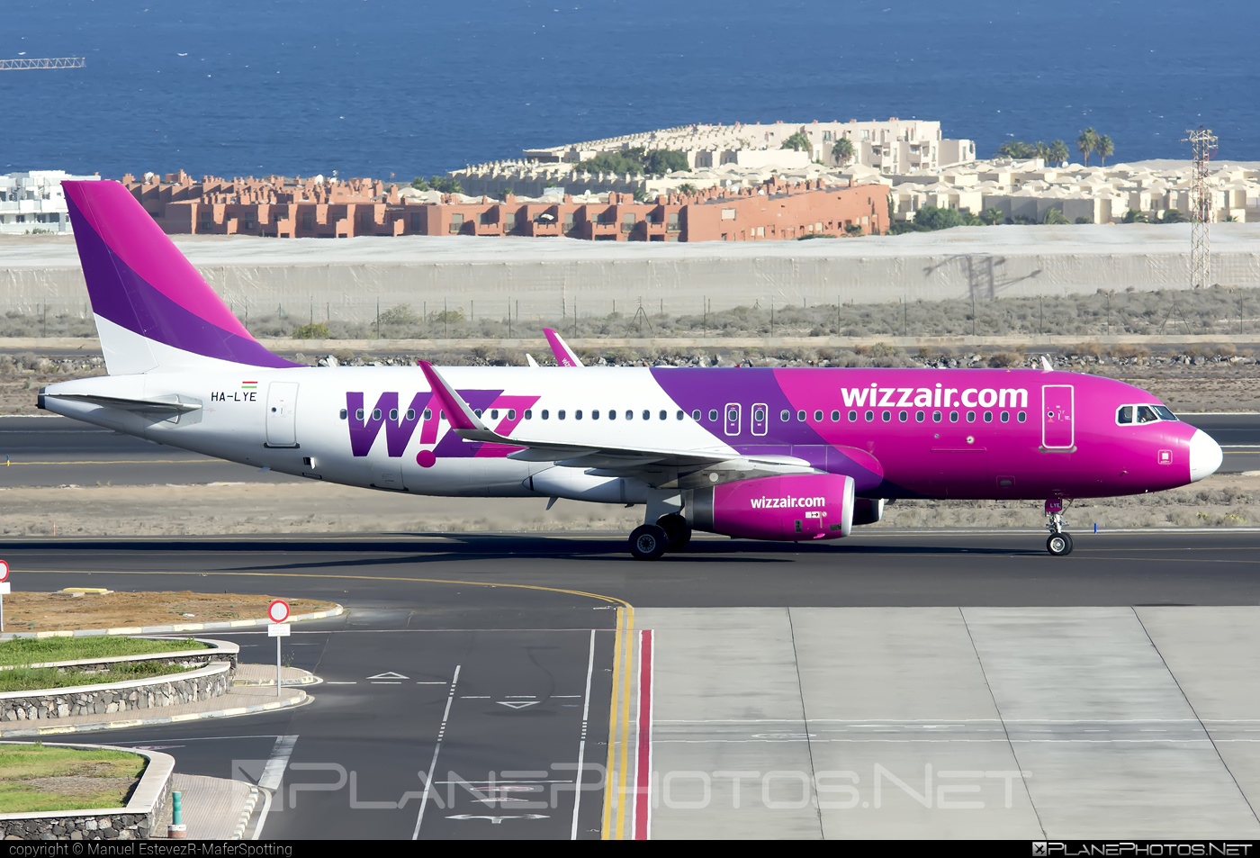 Airbus A320-232 - HA-LYE operated by Wizz Air #a320 #a320family #airbus #airbus320 #wizz #wizzair