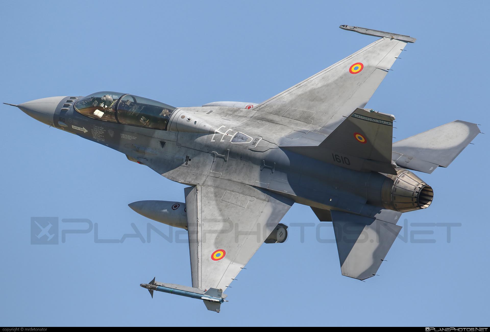 General Dynamics F-16BM Fighting Falcon - 1610 operated by Forţele Aeriene Române (Romanian Air Force) #f16 #f16bm #fightingfalcon #forteleaerieneromane #generaldynamics #romanianairforce