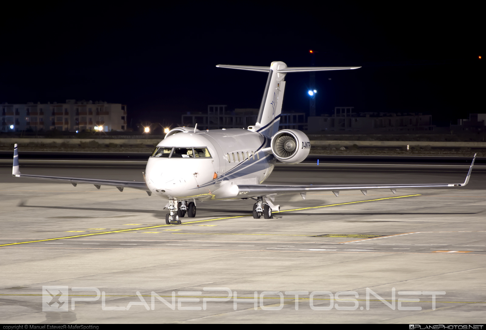 Bombardier Challenger 604 (CL-600-2B16) - D-ANTR operated by MHS Aviation #bombardier #challenger604 #cl6002b16