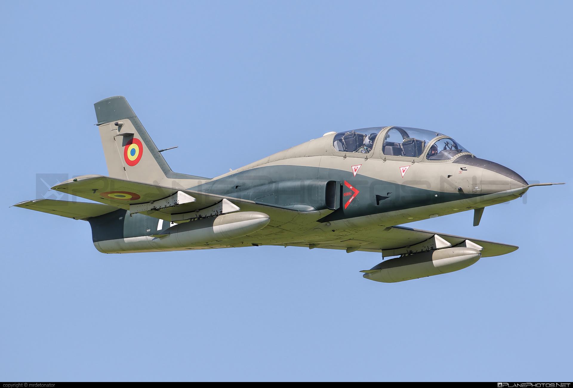IAR IAR-99C Șoim - 725 operated by Forţele Aeriene Române (Romanian Air Force) #forteleaerieneromane #romanianairforce
