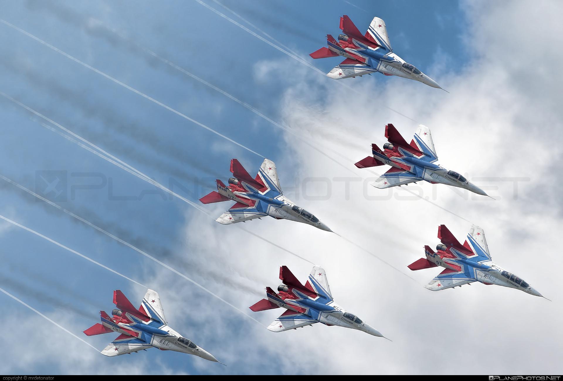 Mikoyan-Gurevich MiG-29UB - 07 operated by Voyenno-vozdushnye sily Rossii (Russian Air Force) #mig #mig29 #mig29ub #mikoyangurevich