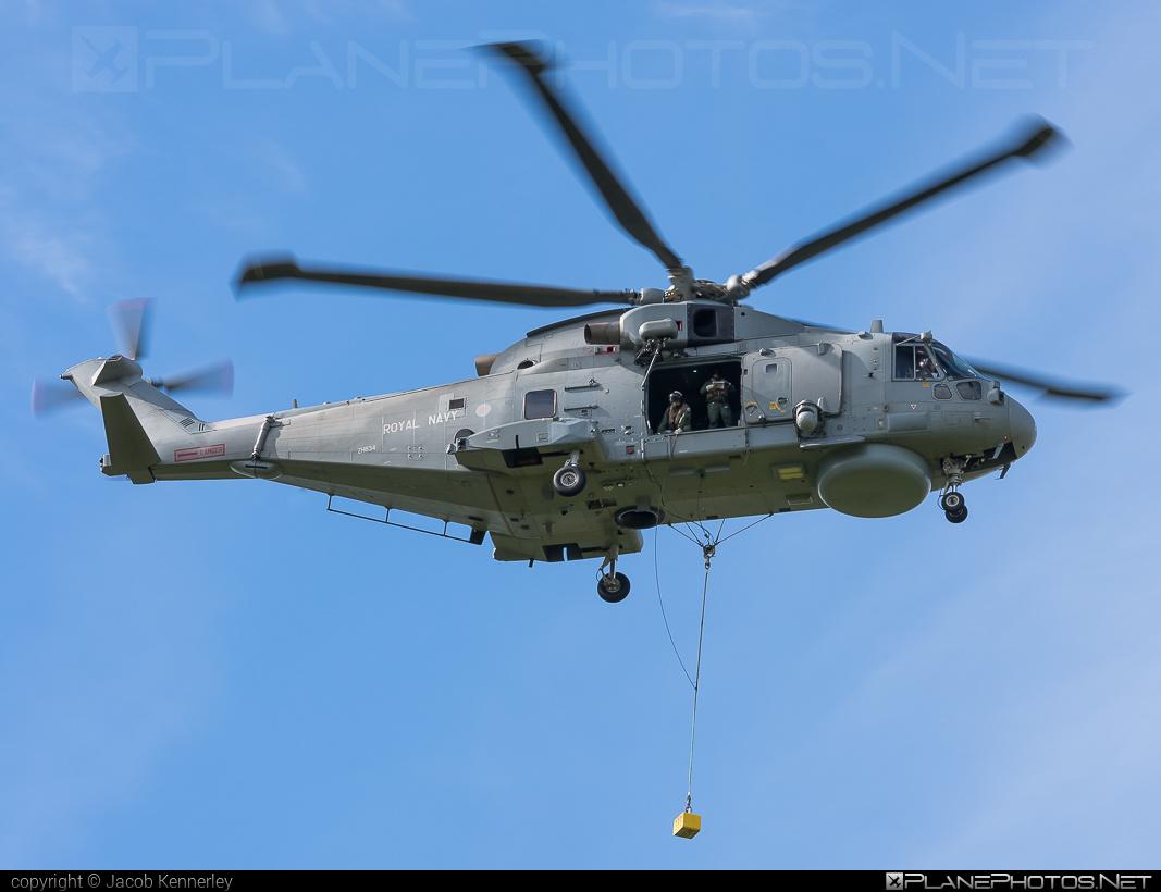 AgustaWestland Merlin HM.2 - ZH834 operated by Royal Navy #agustawestland
