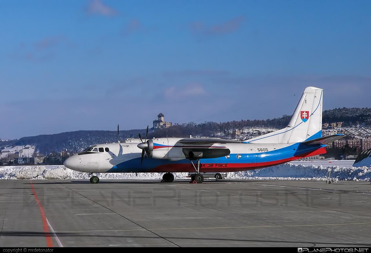Vzdušné sily OS SR (Slovak Air Force) Antonov An-24B - 5605 #an24 #an24b #antonov #antonov24 #slovakairforce #vzdusnesilyossr
