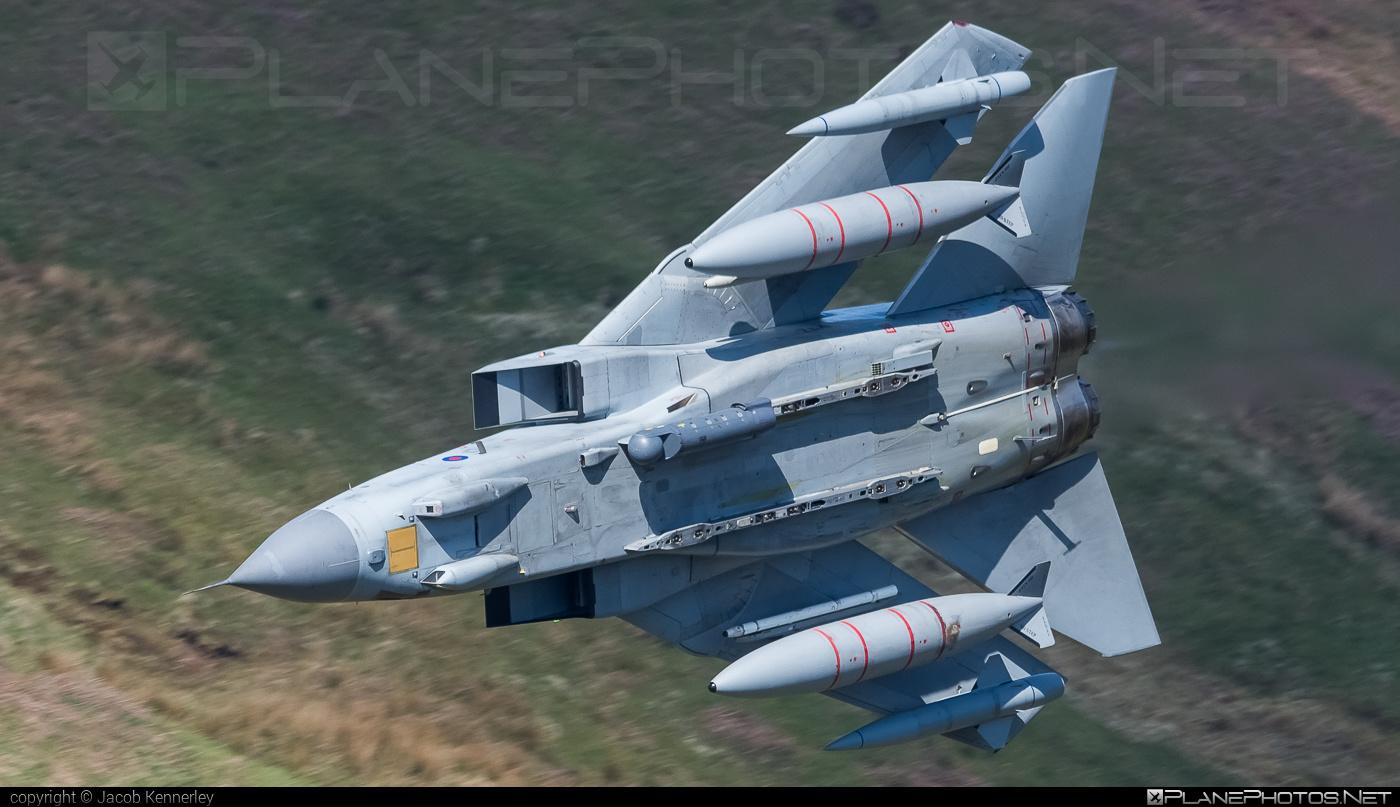 Panavia Tornado GR.4 - ZA453 operated by Royal Air Force (RAF) #machloop #panavia #panaviatornado #raf #royalairforce #tornadogr4