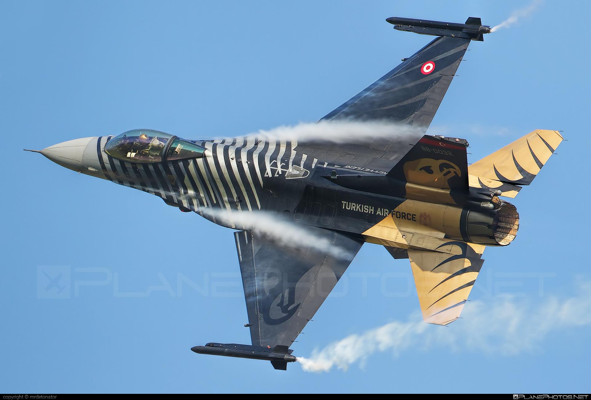 TAI F-16C Fighting Falcon - 88-0032 operated by Türk Hava Kuvvetleri (Turkish Air Force) #f16 #f16c #fightingfalcon #turkishairforce