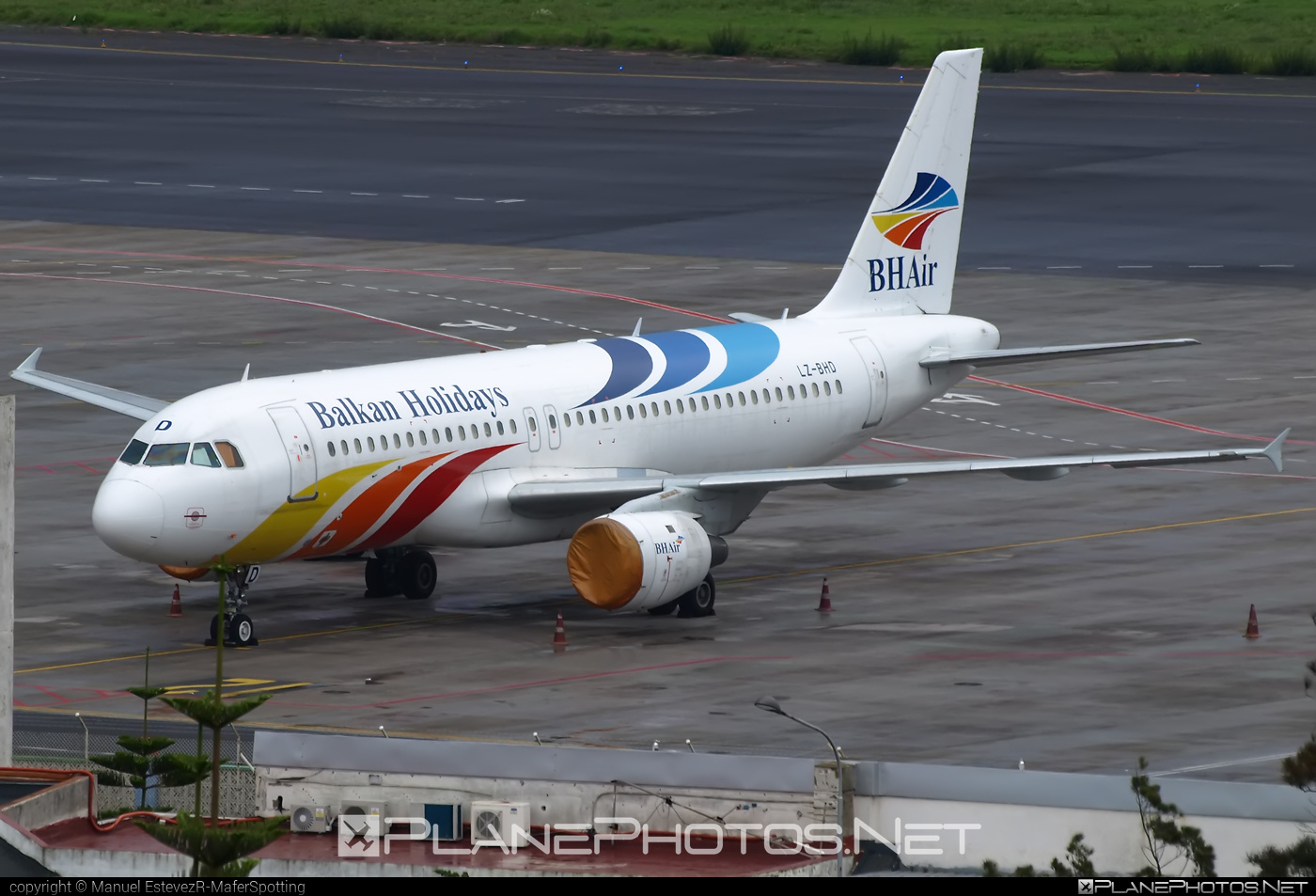 Airbus A320-212 - LZ-BHD operated by BH Air #a320 #a320family #airbus #airbus320 #balkanholidays #bhair