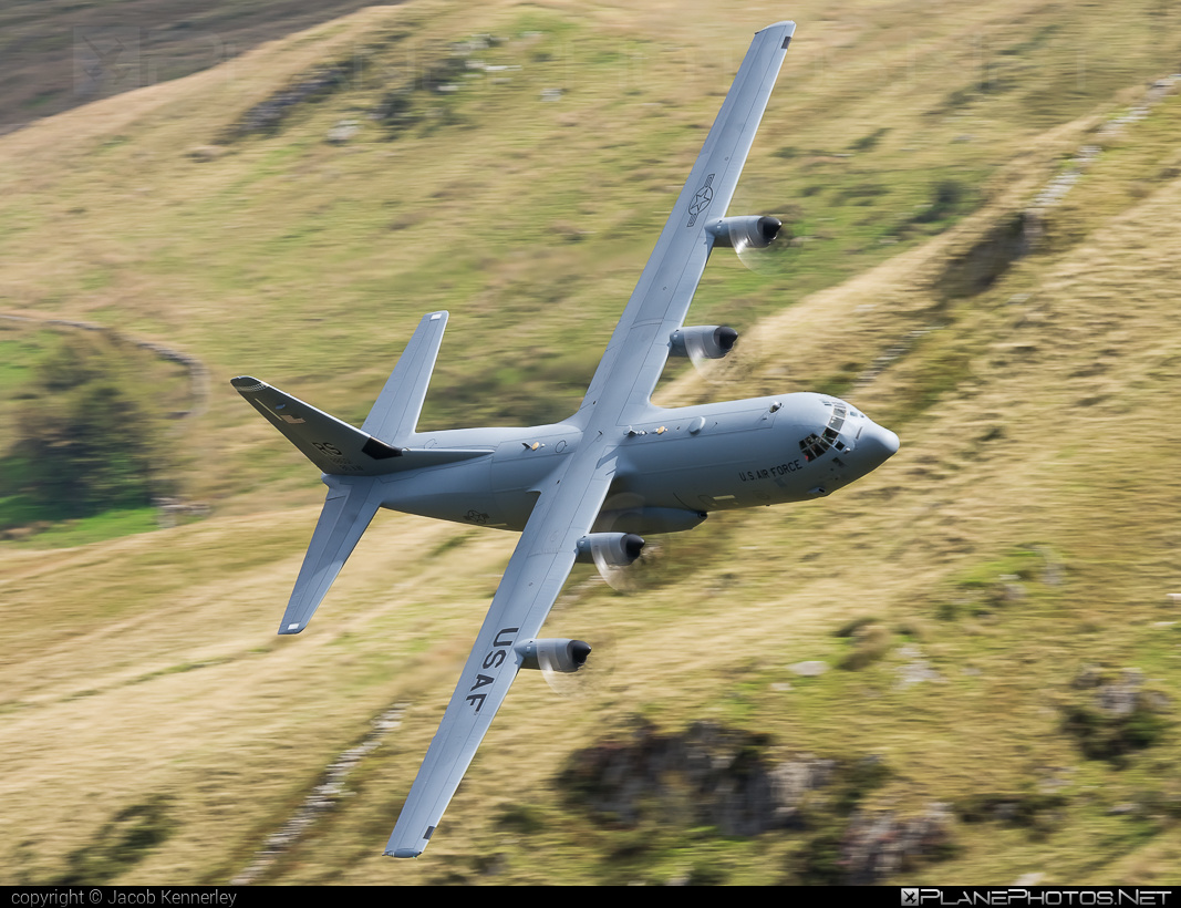 Lockheed Martin C-130J-30 Super Hercules - 08-8601 operated by US Air Force (USAF) #c130 #c130j #c130j30 #lockheedmartin #machloop #superhercules #usaf #usairforce