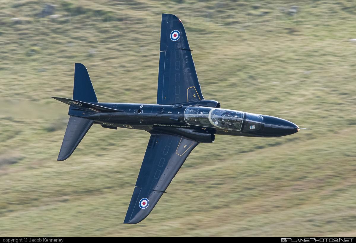 British Aerospace Hawk T1 - XX327 operated by Royal Air Force (RAF) #britishaerospace #machloop #raf #royalairforce