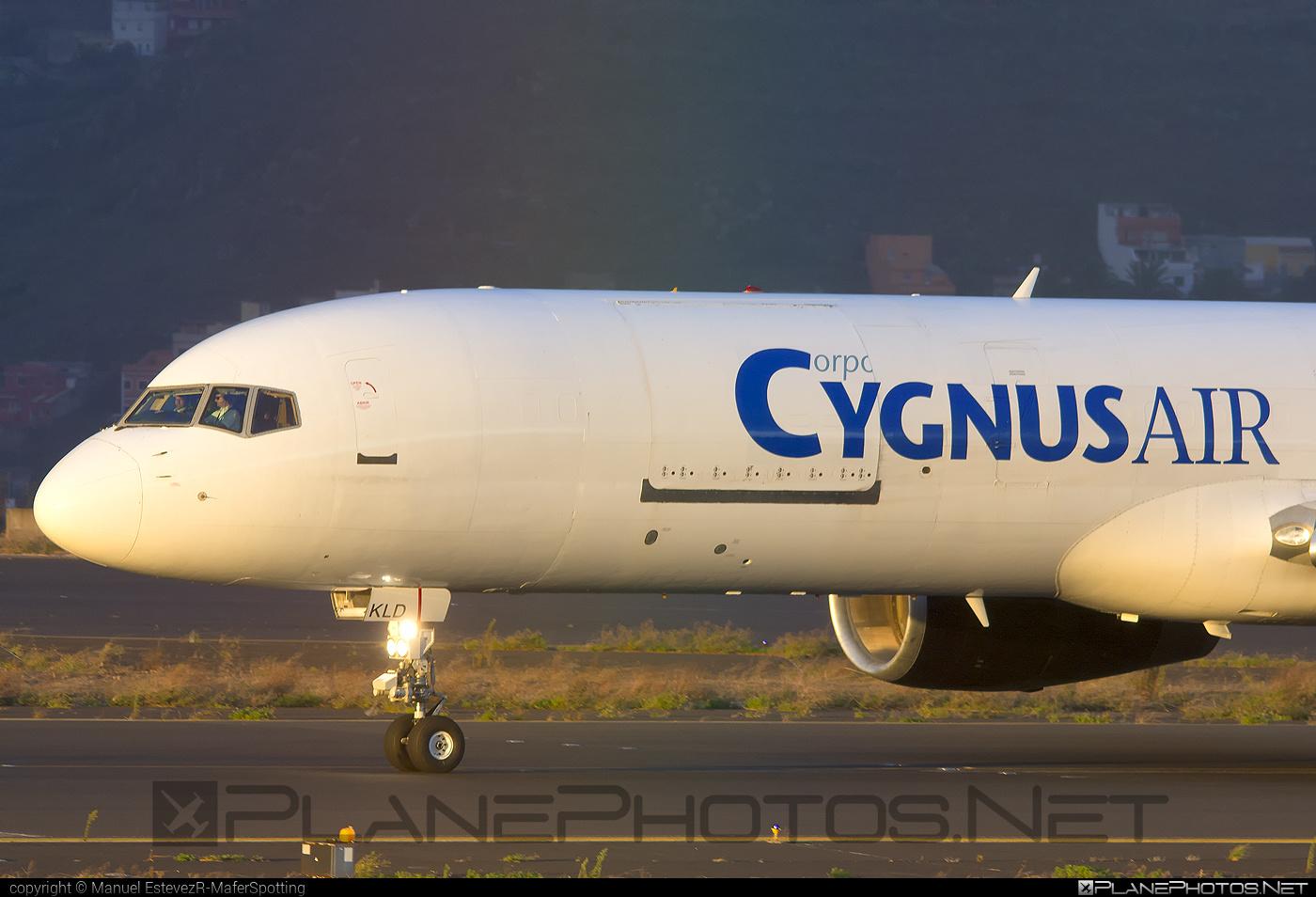 Boeing 757-200SF - EC-KLD operated by Cygnus Air #b757 #boeing #boeing757