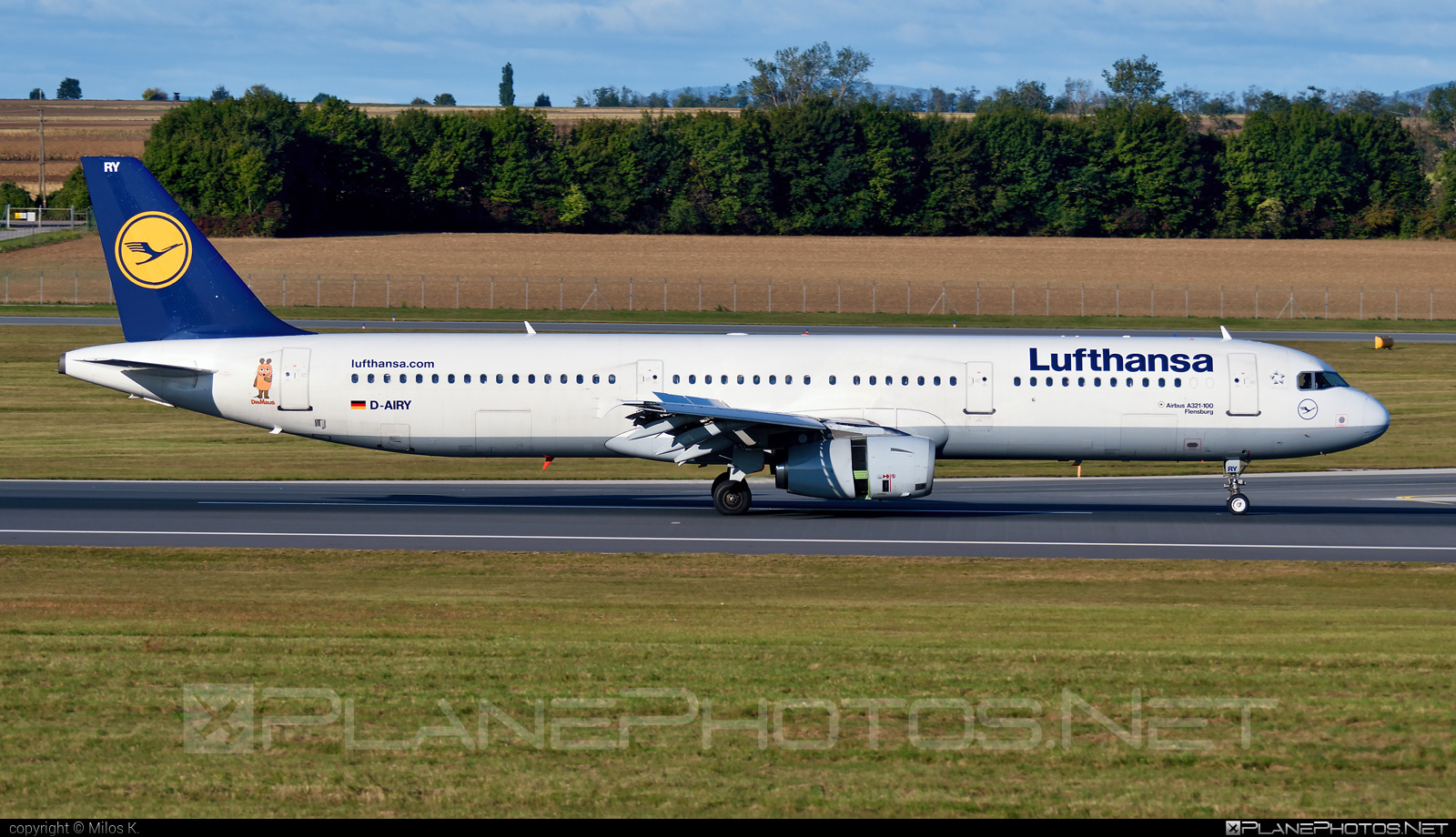 Airbus A321-131 - D-AIRY operated by Lufthansa #a320family #a321 #airbus #airbus321 #lufthansa