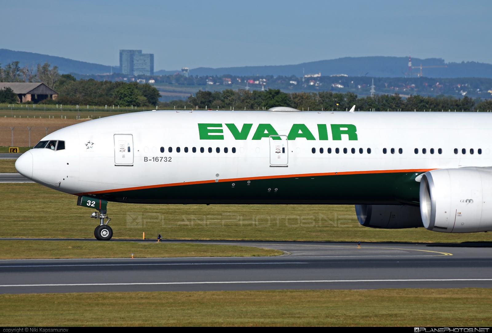 Boeing 777-300ER - B-16732 operated by EVA Air #b777 #b777er #boeing #boeing777 #tripleseven