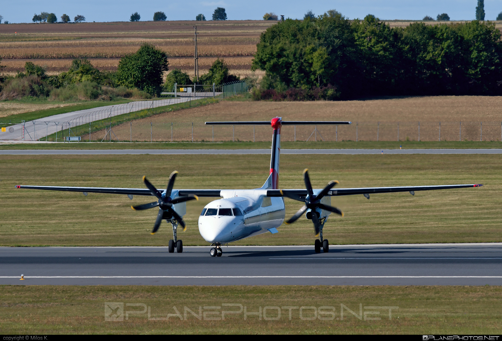 Bombardier DHC-8-Q402 Dash 8 - OE-LGB operated by Austrian Airlines #bombardier