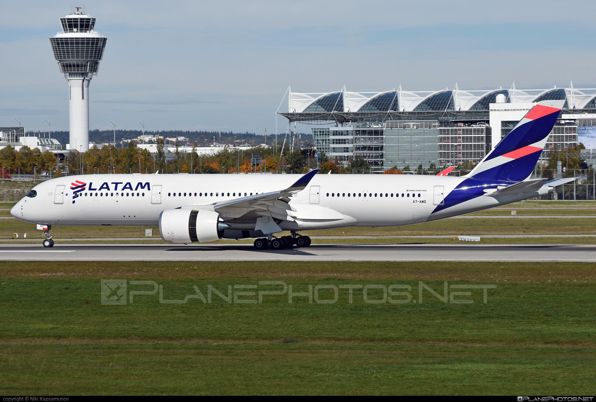Airbus A350-941 - A7-AMD operated by Qatar Airways #a350 #a350family #airbus #airbus350 #latam #qatarairways #xwb