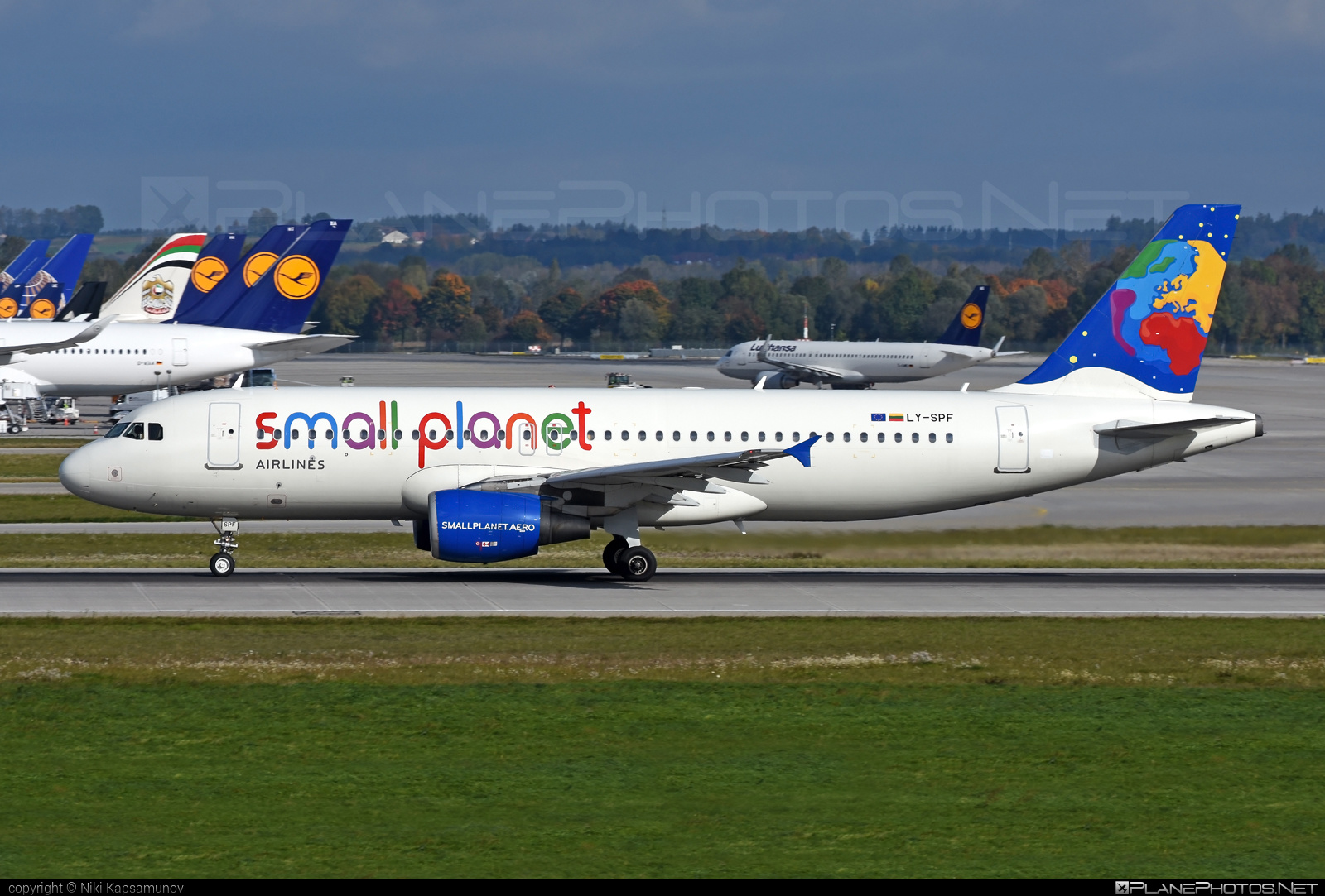 Airbus A320-214 - LY-SPF operated by Small Planet Airlines #a320 #a320family #airbus #airbus320