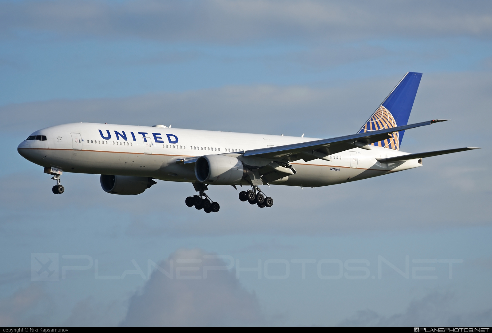Boeing 777-200ER - N216UA operated by United Airlines #b777 #b777er #boeing #boeing777 #tripleseven #unitedairlines