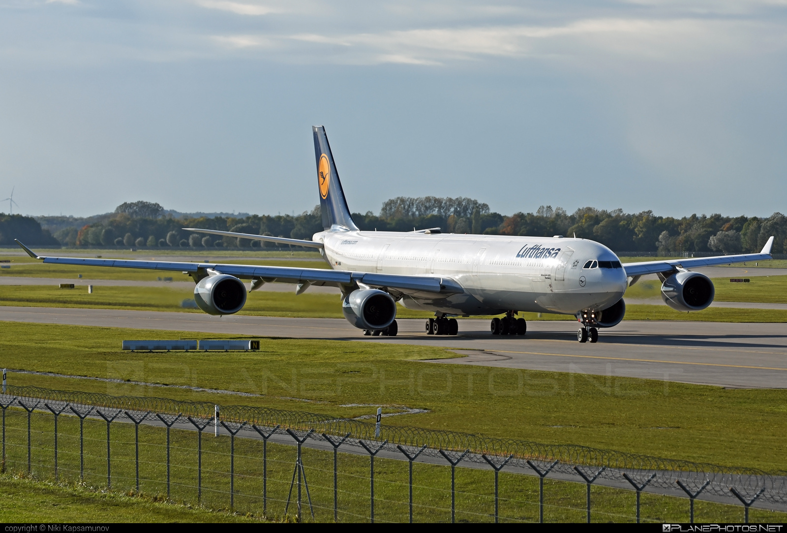Airbus A340-642 - D-AIHA operated by Lufthansa #a340 #a340family #airbus #airbus340 #lufthansa
