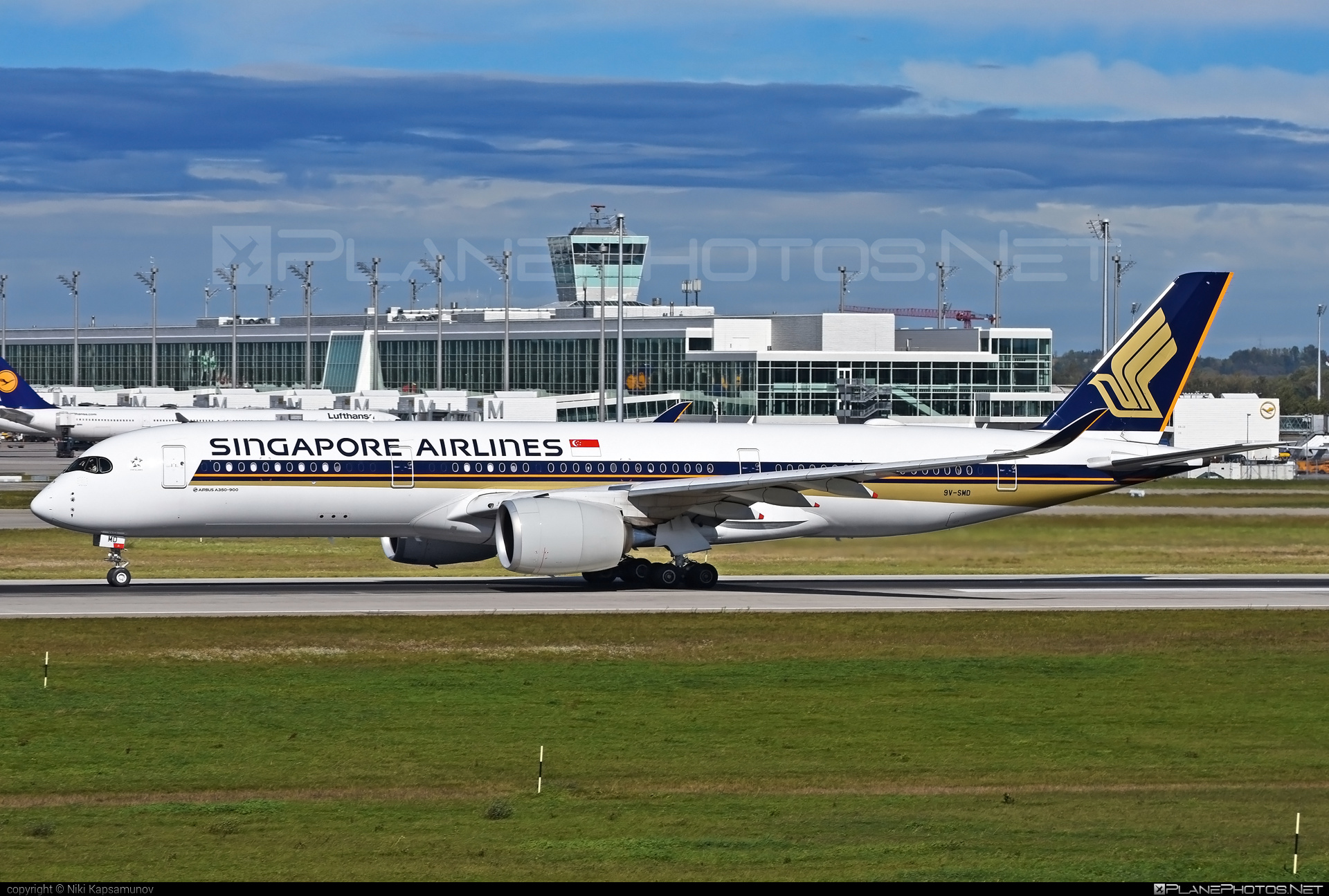 Airbus A350-941 - 9V-SMD operated by Singapore Airlines #a350 #a350family #airbus #airbus350 #singaporeairlines #xwb