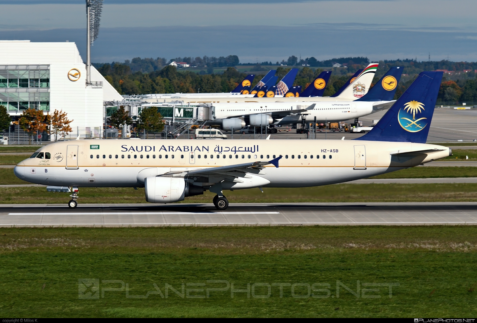 Airbus A320-214 - HZ-ASB operated by Saudi Arabian Airlines #a320 #a320family #airbus #airbus320