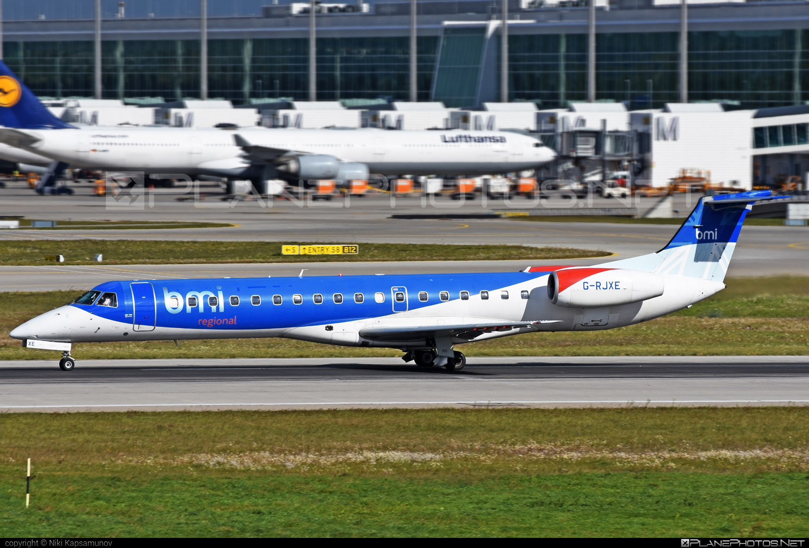 Embraer ERJ-145EP - G-RJXE operated by bmi Regional #embraer