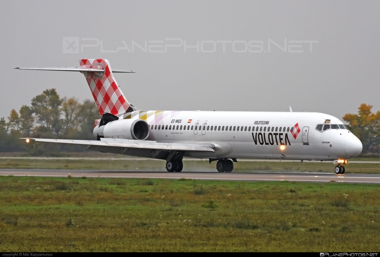 Boeing 717-200 - EC-MGS operated by Volotea #b717 #boeing #boeing717