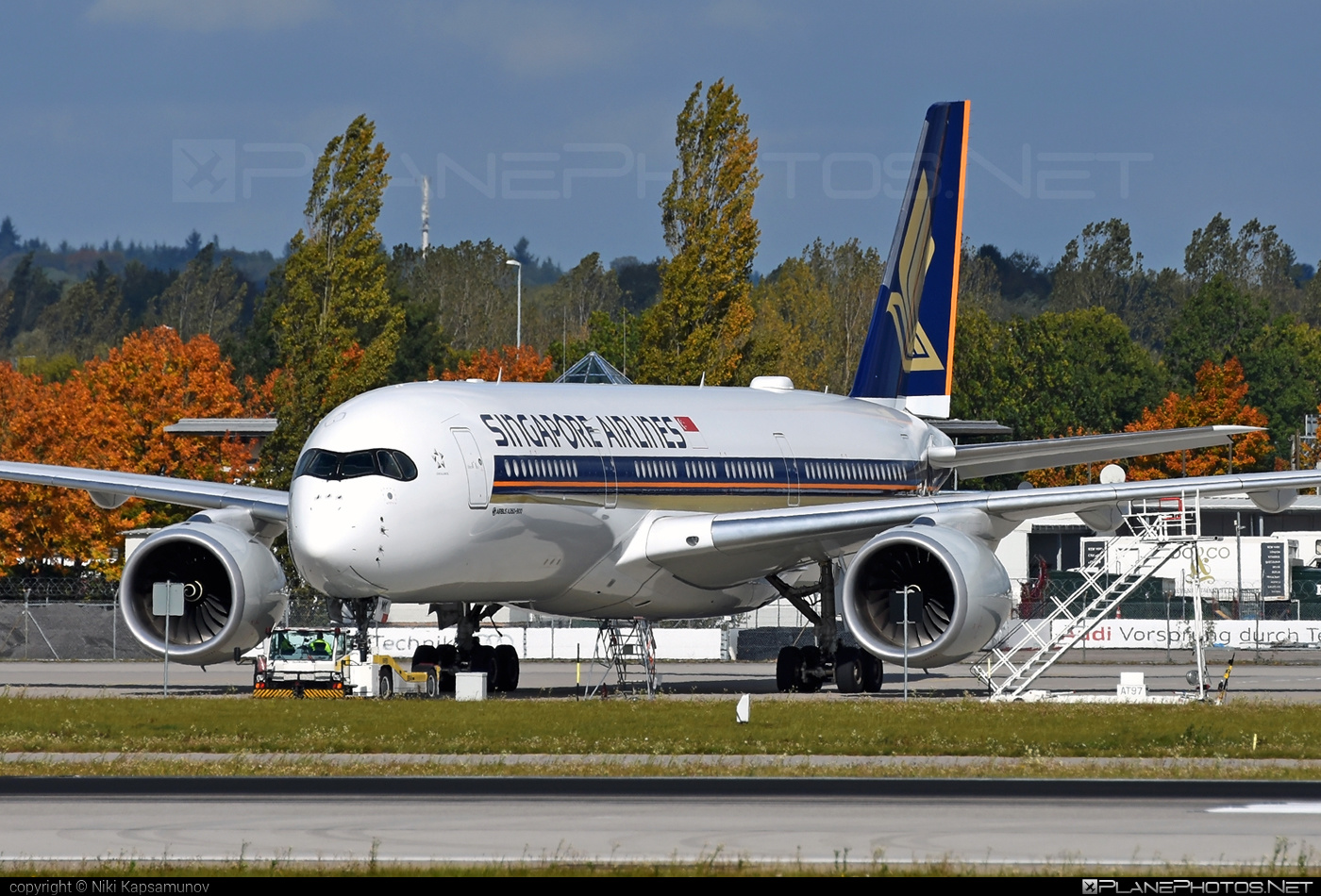 Airbus A350-941 - 9V-SMK operated by Singapore Airlines #a350 #a350family #airbus #airbus350 #singaporeairlines #xwb