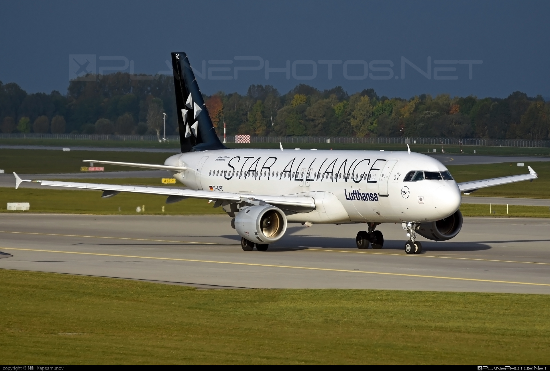 Airbus A320-211 - D-AIPC operated by Lufthansa #a320 #a320family #airbus #airbus320 #lufthansa #staralliance