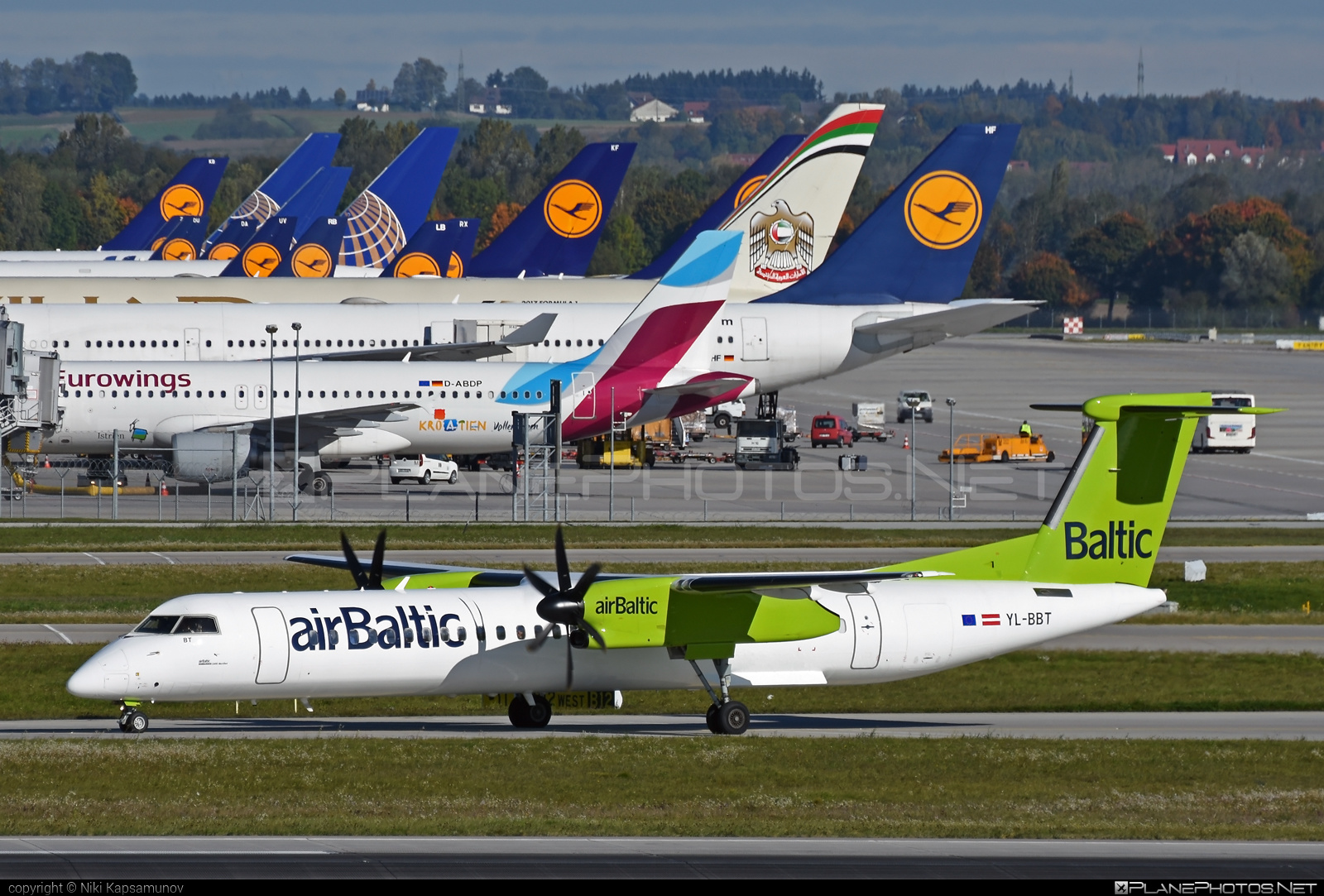 Bombardier DHC-8-Q402 Dash 8 - YL-BBT operated by Air Baltic #airbaltic #bombardier
