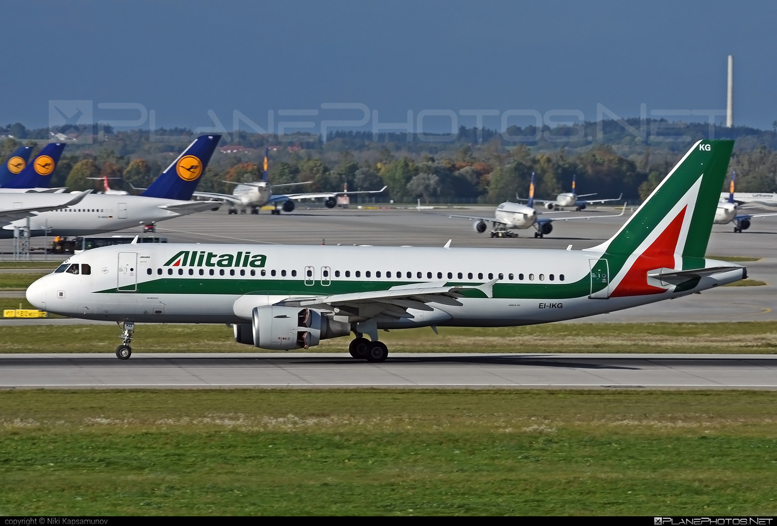 Airbus A320-214 - EI-IKG operated by Alitalia #a320 #a320family #airbus #airbus320 #alitalia