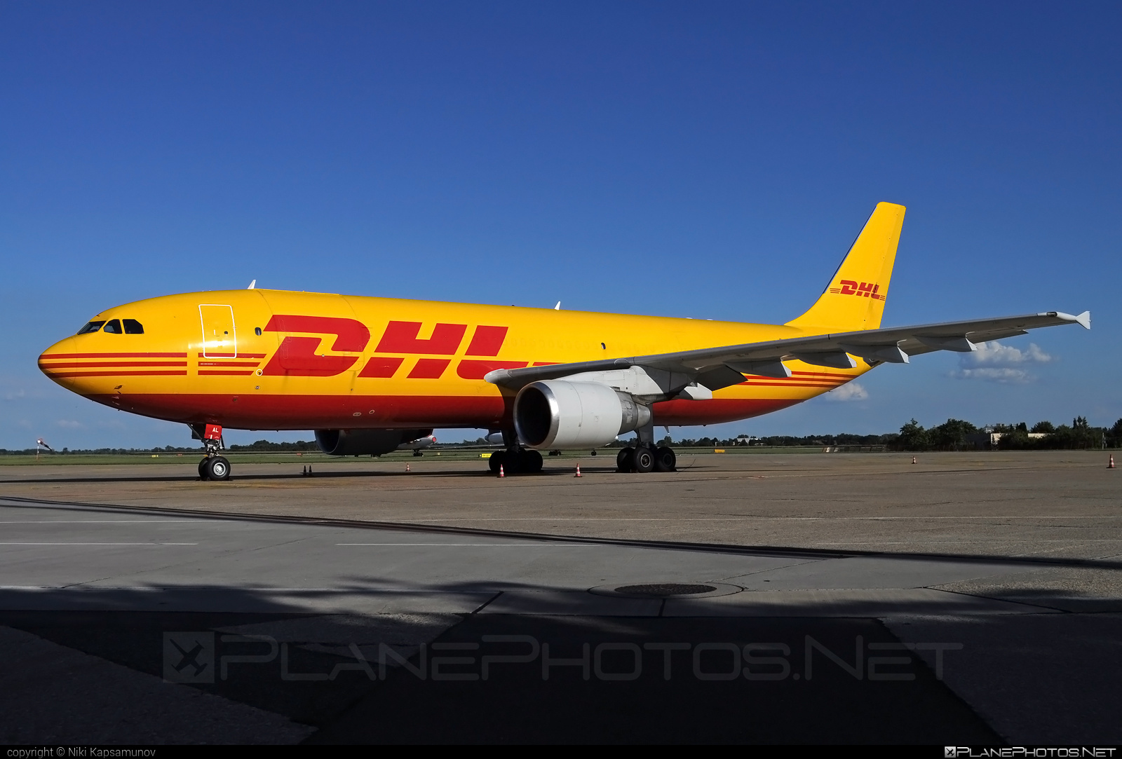 DHL (European Air Transport) Airbus A300B4-622RF - D-AEAL #airbus