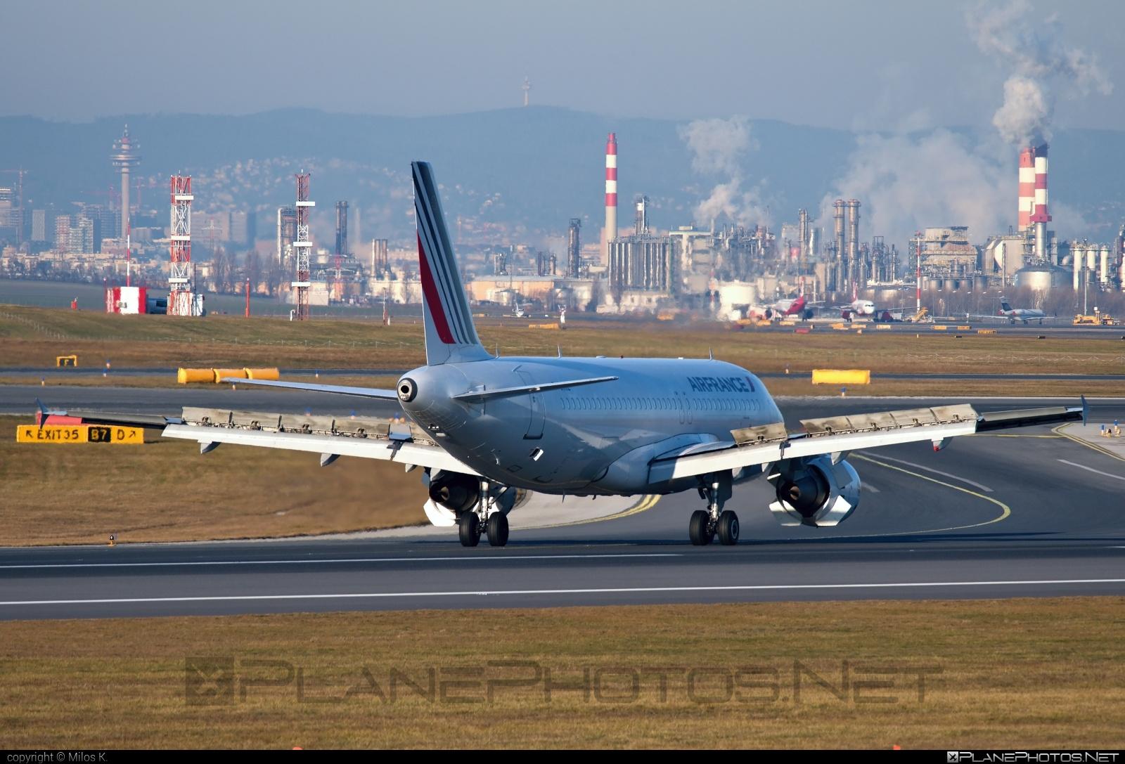 Air France Airbus A320-214 - F-GKXZ #a320 #a320family #airbus #airbus320 #airfrance