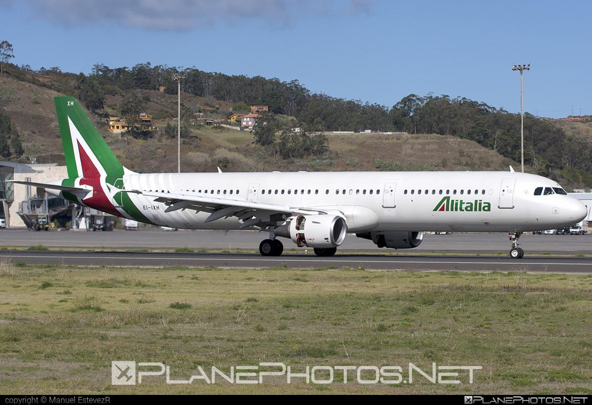 Airbus A321-112 - EI-IXH operated by Alitalia #a320family #a321 #airbus #airbus321 #alitalia