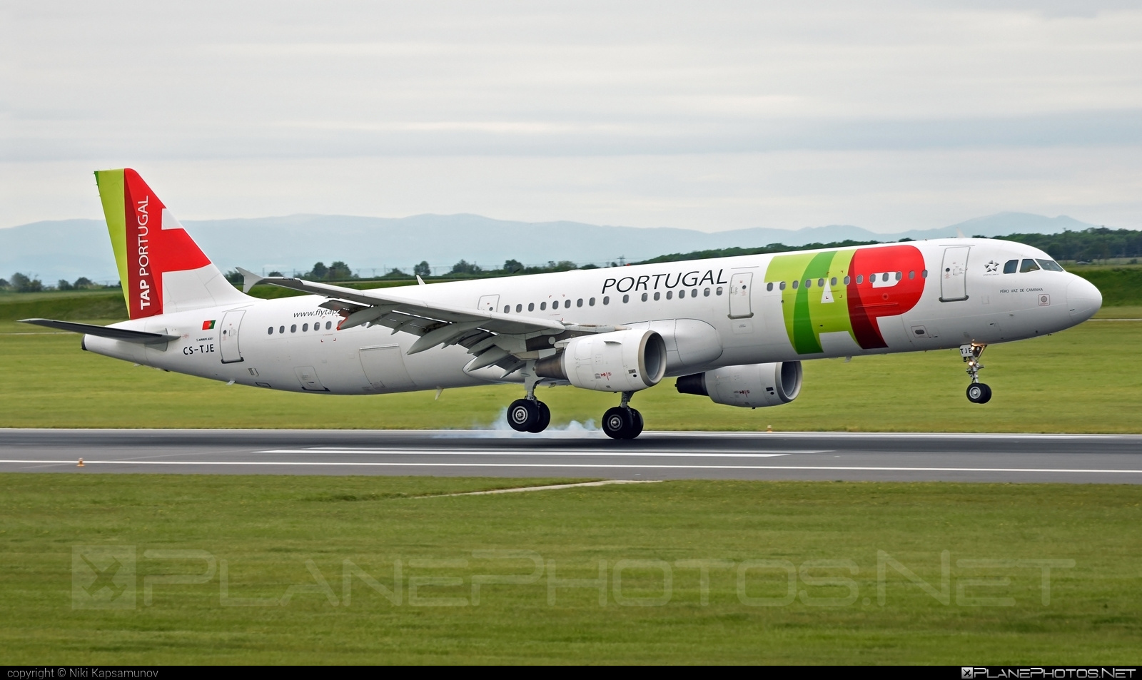 Airbus A321-211 - CS-TJE operated by TAP Portugal #a320family #a321 #airbus #airbus321 #touchdown