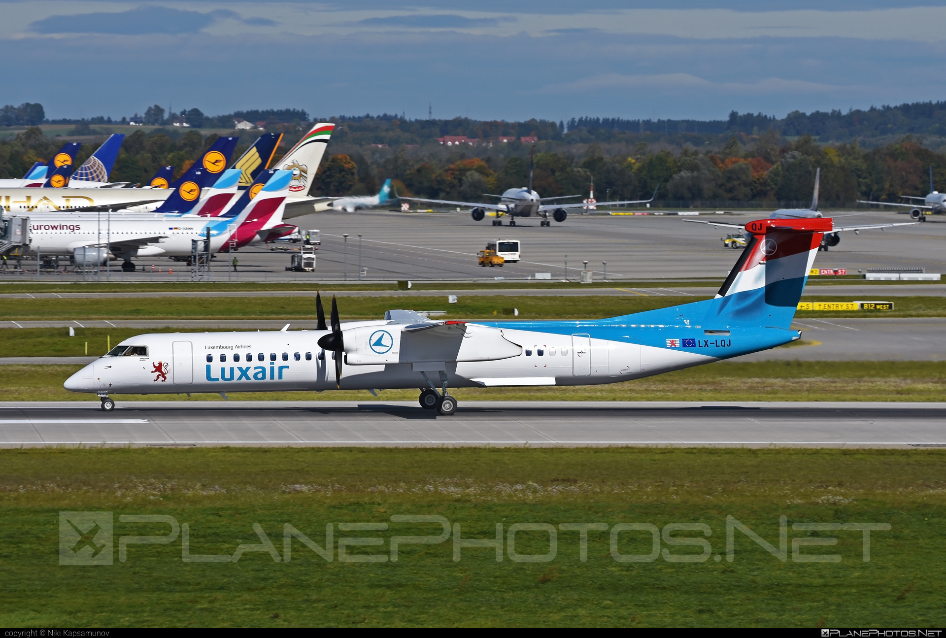 Bombardier DHC-8-Q402 Dash 8 - LX-LQJ operated by Luxair #bombardier