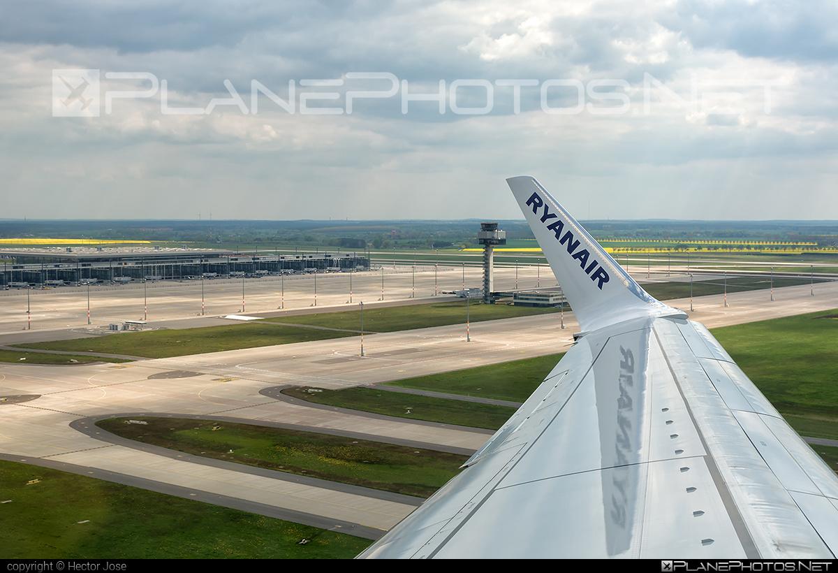 Boeing 737-800 - EI-FEF operated by Ryanair #b737 #b737nextgen #b737ng #boeing #boeing737 #ryanair