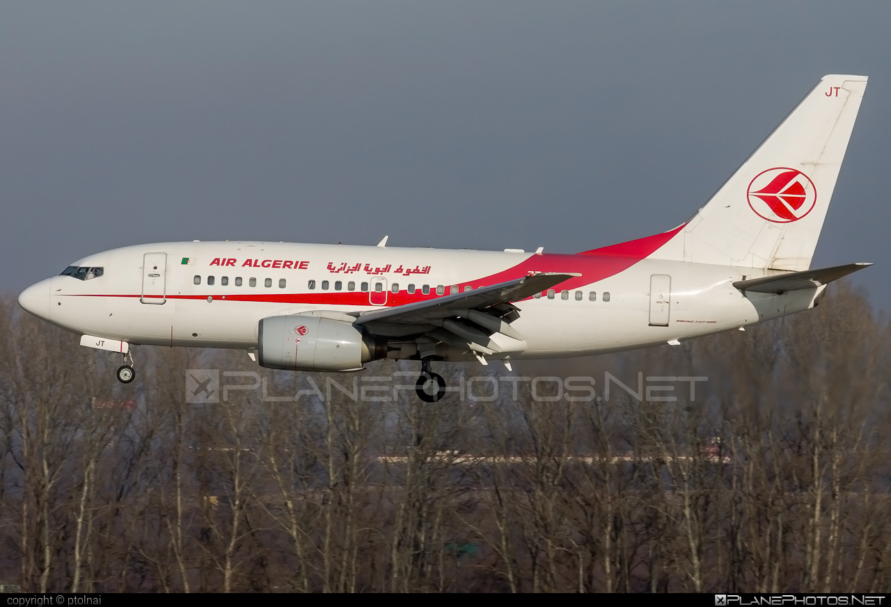Boeing 737-600 - 7T-VJT operated by Air Algerie #b737 #b737nextgen #b737ng #boeing #boeing737