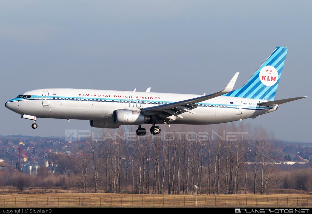 Boeing 737-800 - PH-BXA operated by KLM Royal Dutch Airlines #b737 #b737nextgen #b737ng #boeing #boeing737 #klm #klmroyaldutchairlines #retro #royaldutchairlines