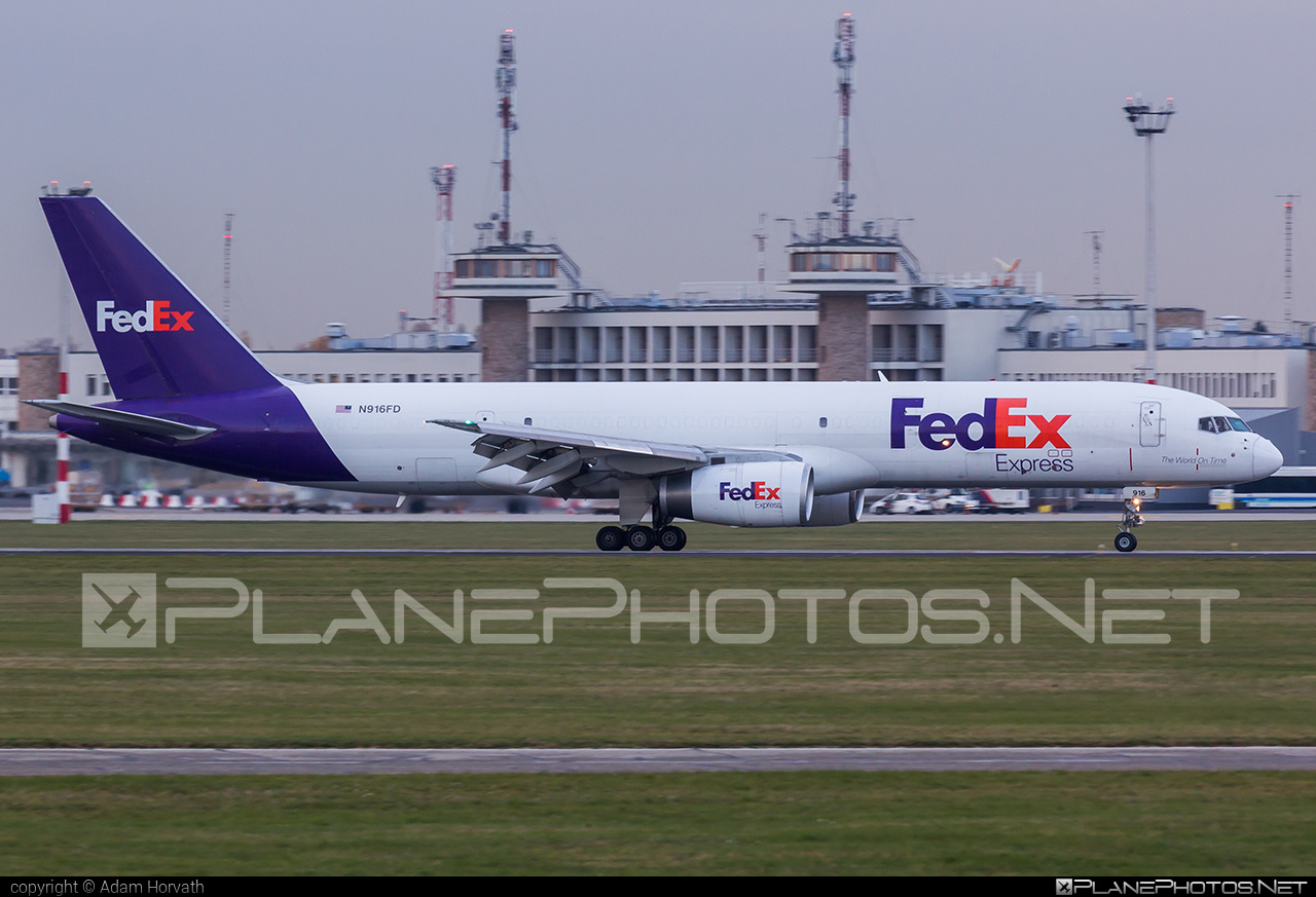 Boeing 757-200SF - N916FD operated by FedEx Express #b757 #boeing #boeing757 #fedex #fedexairlines #fedexexpress