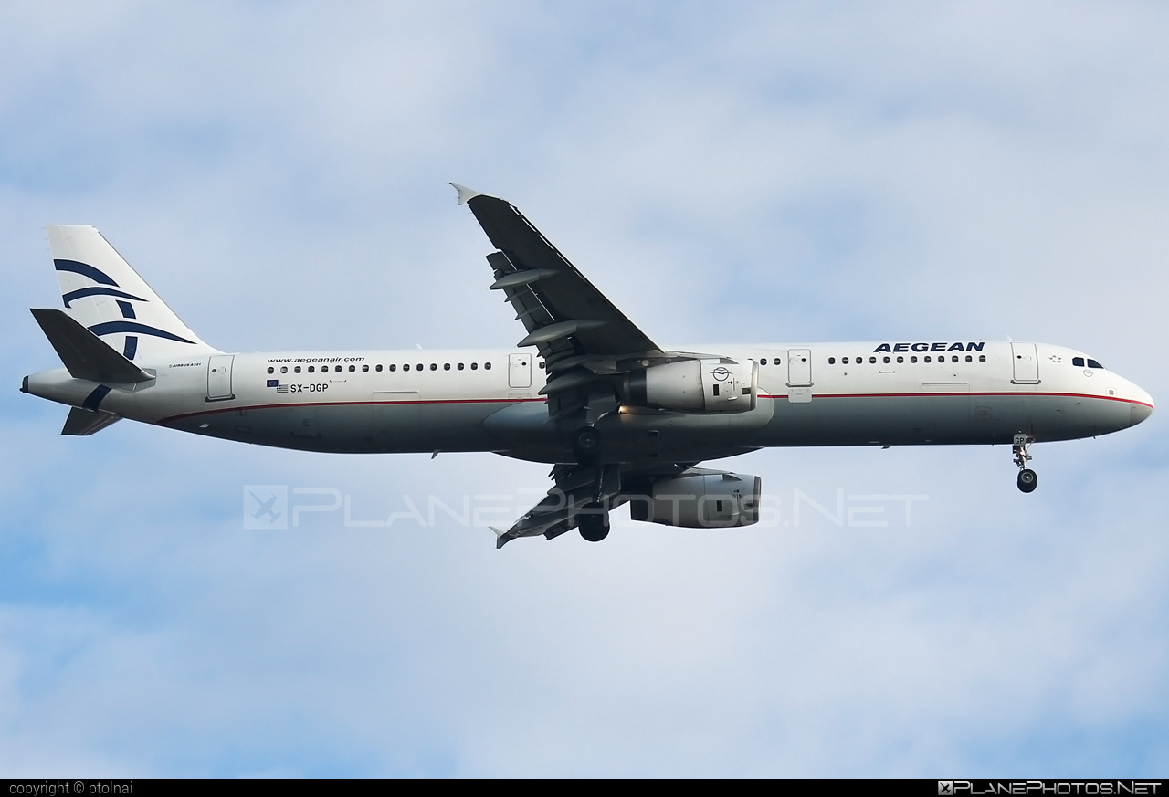 Airbus A321-232 - SX-DGP operated by Aegean Airlines #a320family #a321 #airbus #airbus321