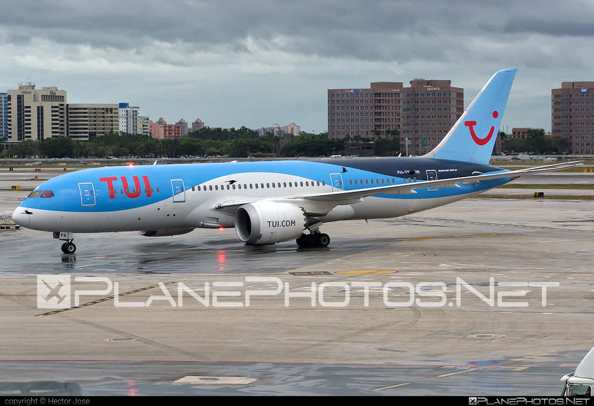 Boeing 787-8 Dreamliner - PH-TFK operated by TUI Airlines Nederlands #b787 #boeing #boeing787 #dreamliner #tui #tuiairlines #tuiairlinesnederlands