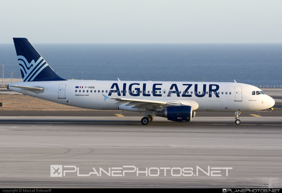 Airbus A320-214 - F-HBIB operated by Aigle Azur #a320 #a320family #airbus #airbus320