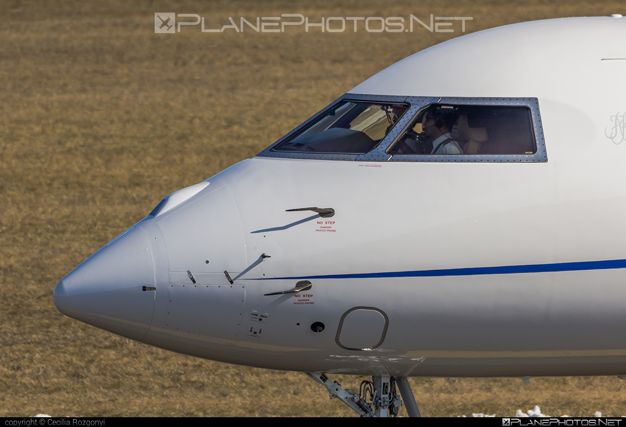 Bombardier Global 6000 (BD-700-1A10) - VP-CMM operated by Private operator #bd7001a10 #bombardier #bombardierglobal6000 #global6000