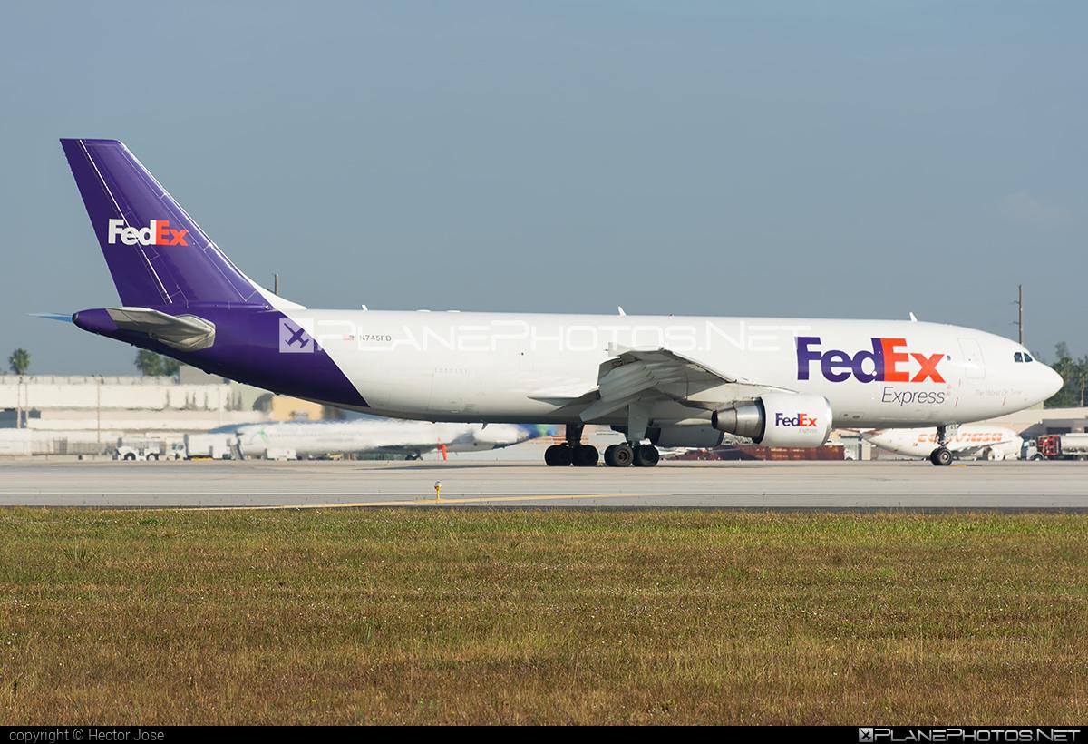 Airbus A300B4-622R - N745FD operated by FedEx Express #a300 #airbus #fedex #fedexairlines #fedexexpress