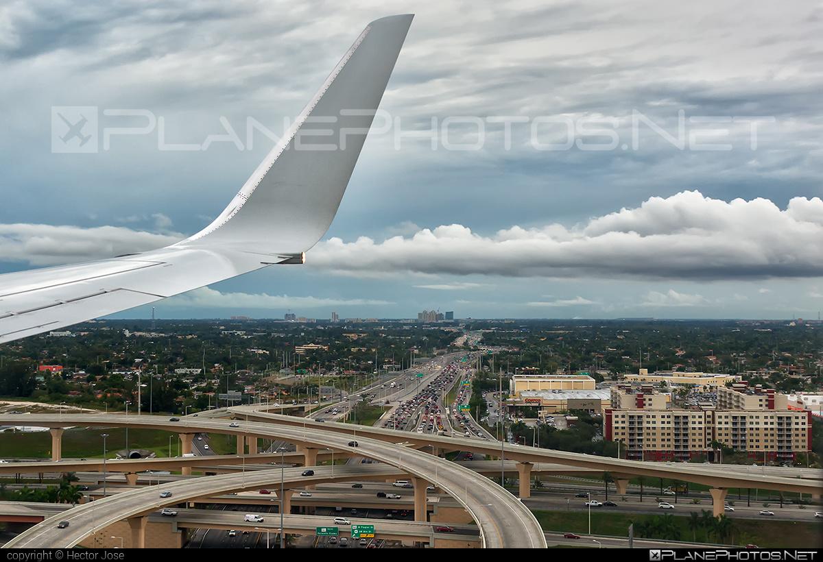 Boeing 737-800 - N807NN operated by American Airlines #americanairlines #b737 #b737nextgen #b737ng #boeing #boeing737