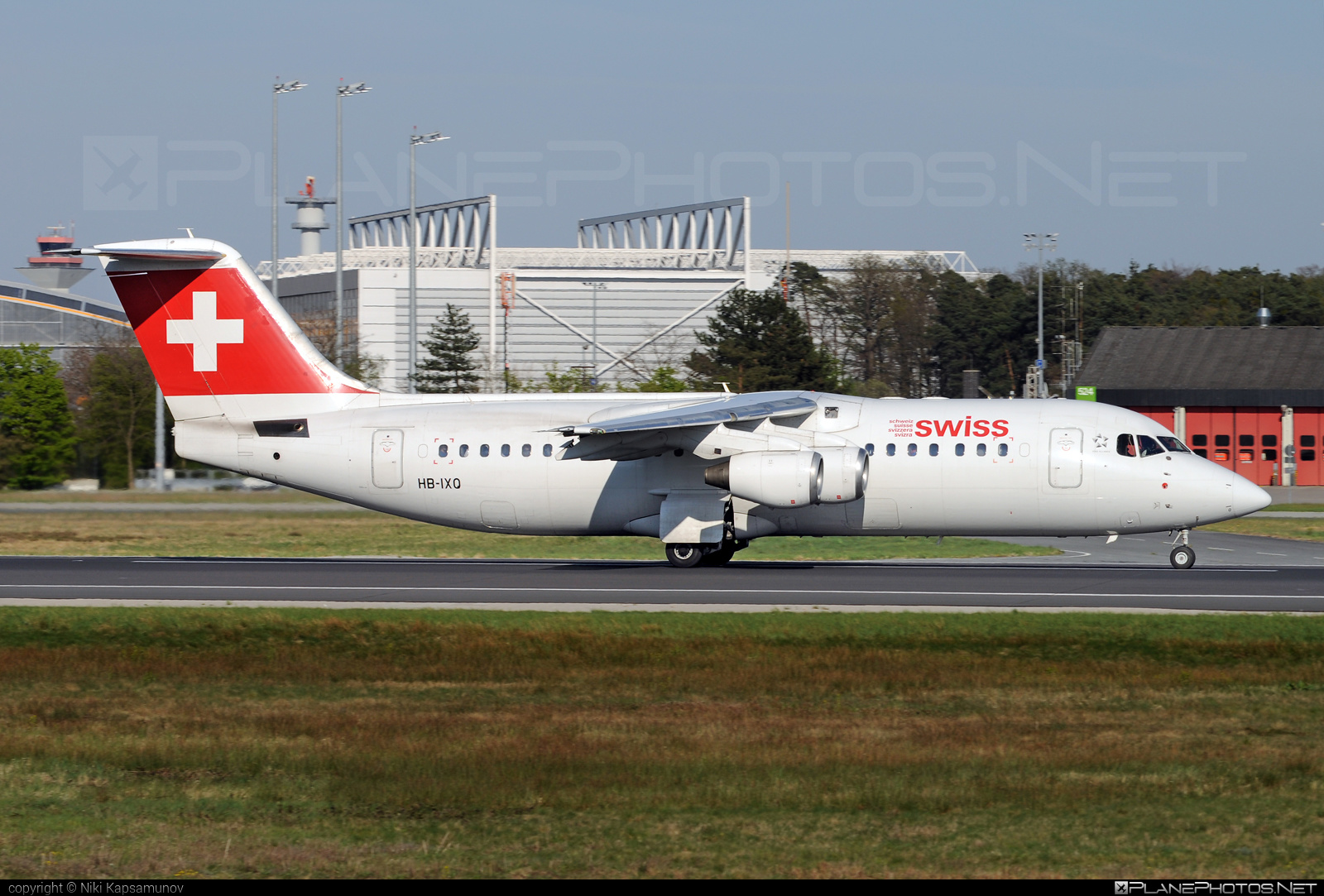 Swiss Global Air Lines British Aerospace Avro RJ100 - HB-IXQ