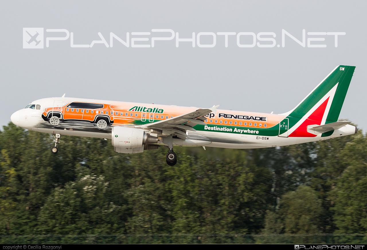 Airbus A320-216 - EI-DSW operated by Alitalia #a320 #a320family #airbus #airbus320 #alitalia