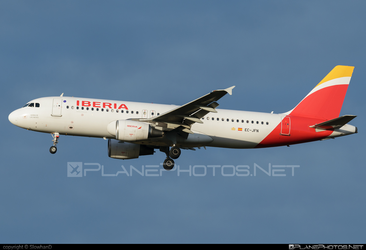 Airbus A320-214 - EC-JFN operated by Iberia #a320 #a320family #airbus #airbus320 #iberia