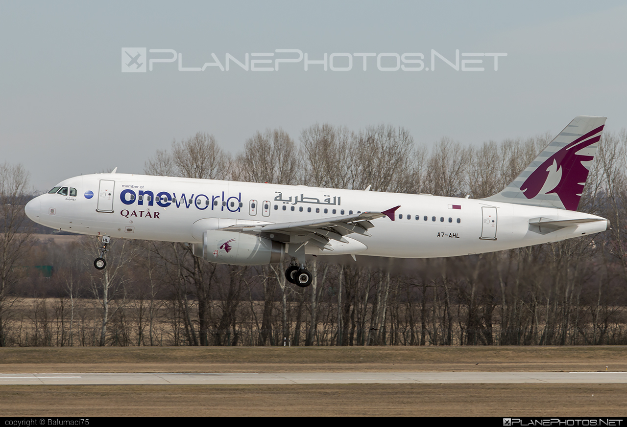 Airbus A320-232 - A7-AHL operated by Qatar Airways #a320 #a320family #airbus #airbus320 #oneworld #qatarairways