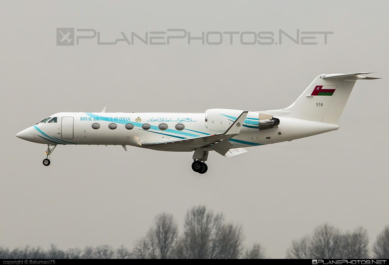Gulfstream GIV - 558 operated by Silāh al-Jaww as-Sultāniy 'Umān (Royal Air Force of Oman) #giv #gulfstream #gulfstreamgiv #gulfstreamiv #royalairforceofoman #silaaljawwassultaniyuman